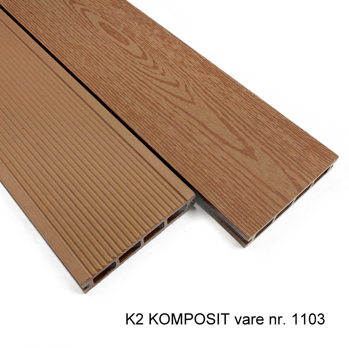 Picture of: K2 Komposit Terrassebraedder Teak Sw 25x135x2220 Mm Borstet Rillet Glat Traestruktur K2 Komposit